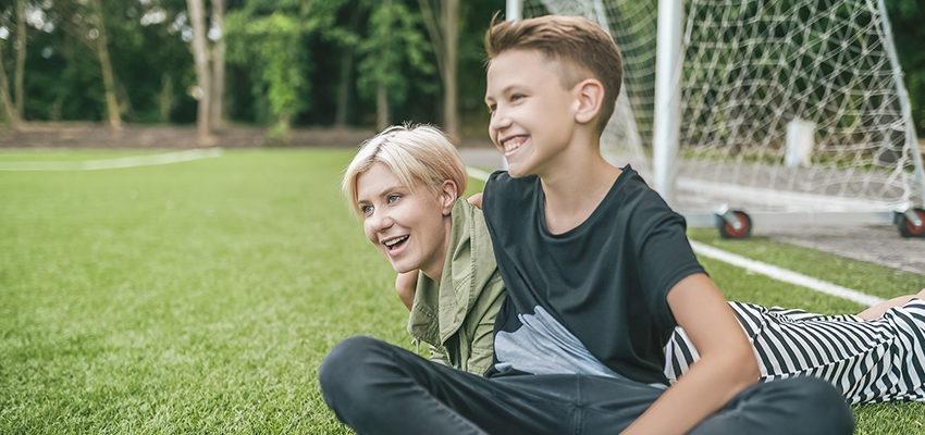 4 passos para criar seu filho como uma pessoa boa e feliz