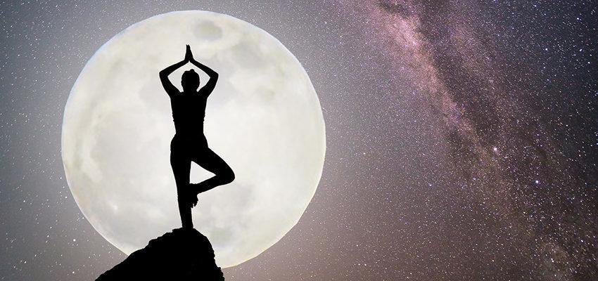 Poses de Yoga de acordo com fases da Lua