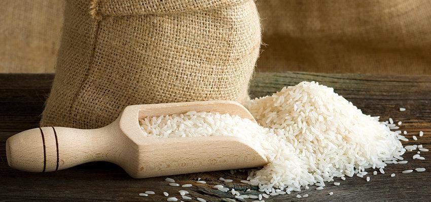 4 simpatias com arroz: dinheiro, amor, corpo e negócios