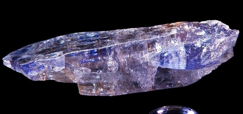 Tanzanita: o raro e cobiçado cristal da evolução espiritual