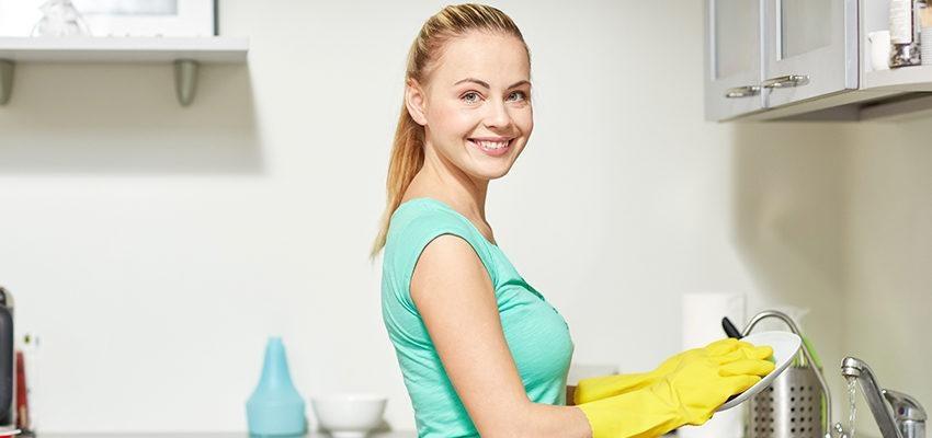 Tarefas simples como lavar a louça ajudam na evolução interior
