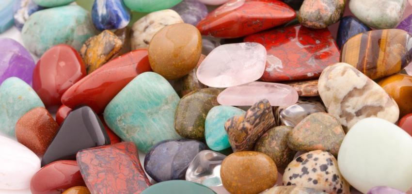 Pedras e Cristais – o que são, como utilizá-los e os poderes que eles têm