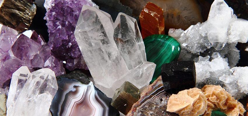 9 cristais que você precisa ter na mesa de trabalho