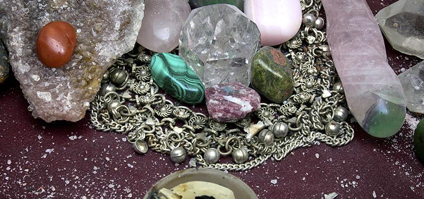 A mensagem oculta presente nas pedras preciosas