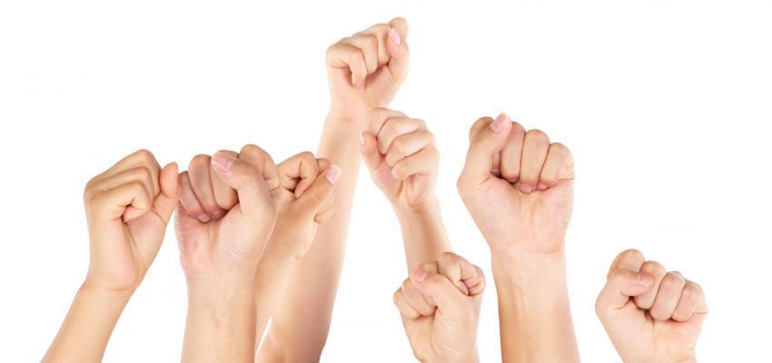 A sua personalidade está na forma como fecha a sua mão