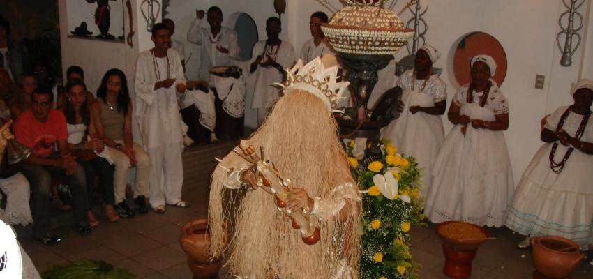 Agosto é o mês de Omulu – orixá da saúde e da doença