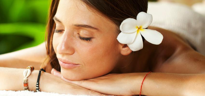 3 tipos de tratamentos com compressas na aromaterapia