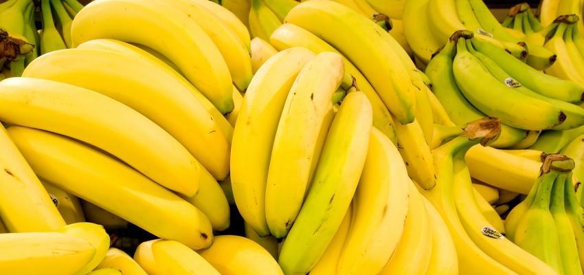 5e73b44665 Sonhar com banana é bom? Veja o que a fruta simboliza | WeMystic Brasil