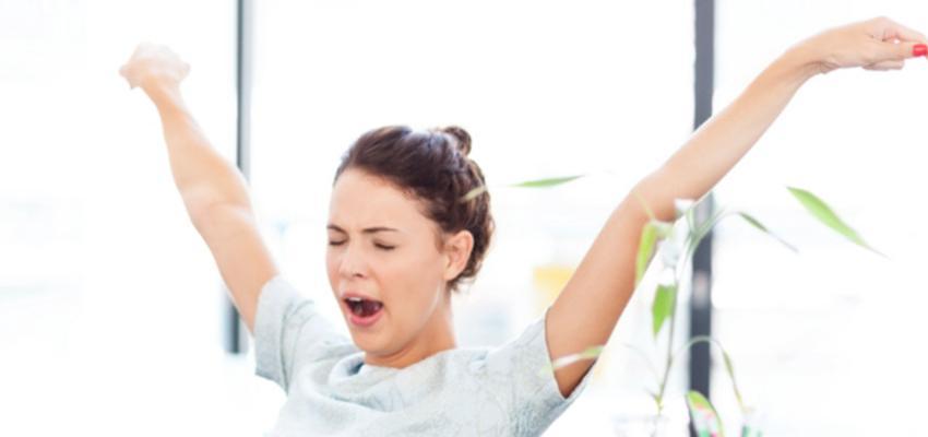 Bocejar é ruim? Entenda o que ele significa para sua energia