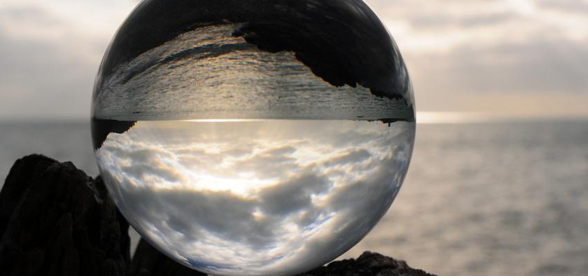Bola de Cristal: descubra os mistérios do seu mundo interior