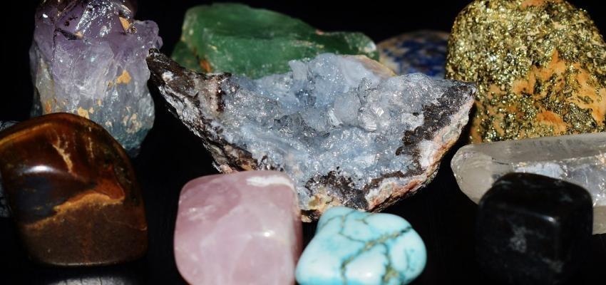 Descubra como cuidar da pele através dos cristais