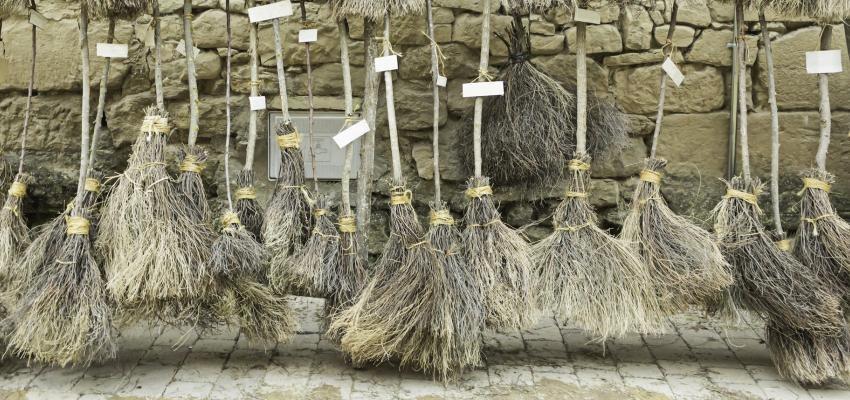 Aprenda a fazer uma vassoura de ervas