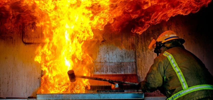 Sonhar com fogo significa perigo? Descubra