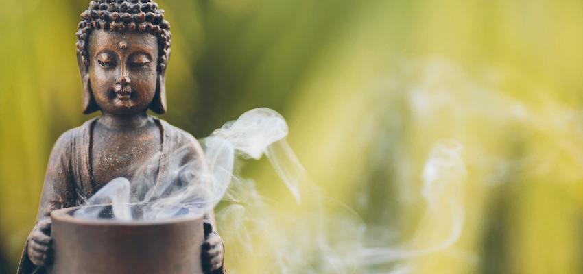 Incensos da fortuna: conheça os aromas que promovem sucesso e novas ideias