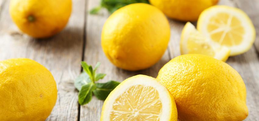 Simpatia do limão para afastar energia negativa no trabalho