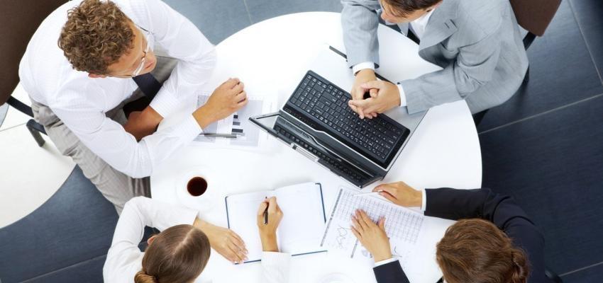 Líder do signo aquário: chefes colaborativos