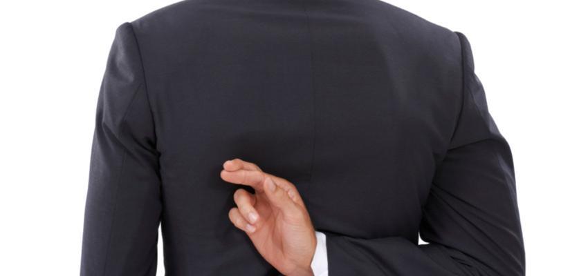 Saiba como identificar um mentiroso com 6 sinais físicos