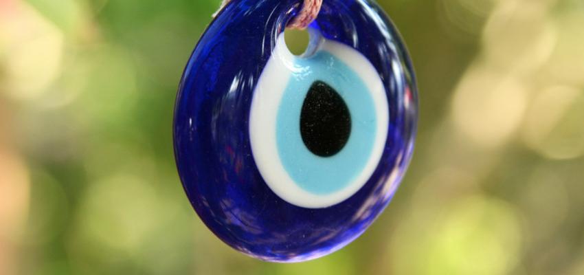 Diferentes formas e utilizar e energizar o olho grego