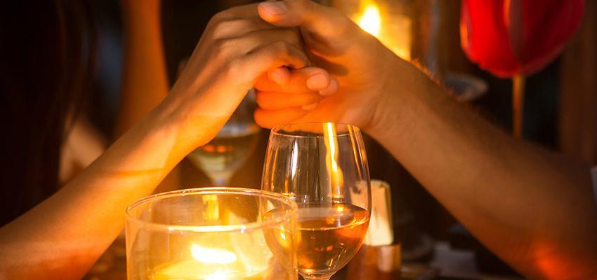 Orações poderosas para proteger casamento e namoro