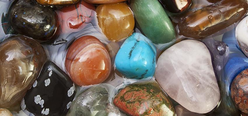 O significado das pedras e seus poderes curativos