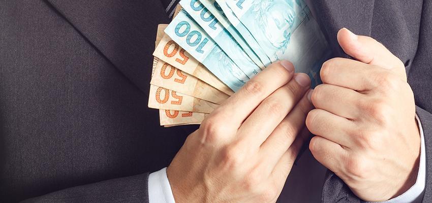 Precisando de dinheiro? Veja 3 orações ciganas poderosas para atrair prosperidade
