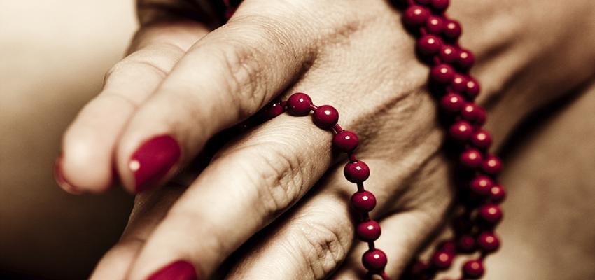 Corrente de oração : o que é e superstições a cerca dela