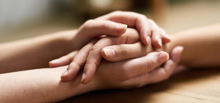 Seis passos para ajudar alguém de luto