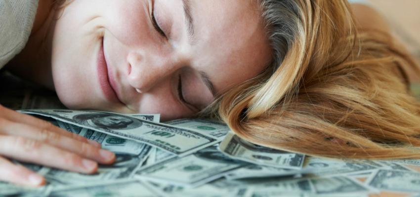 O que significa sonhar com dinheiro? Descubra!