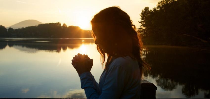 Oração contra ansiedade: palavras sagradas para acalmar sua mente