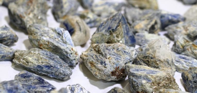 pedra cianita