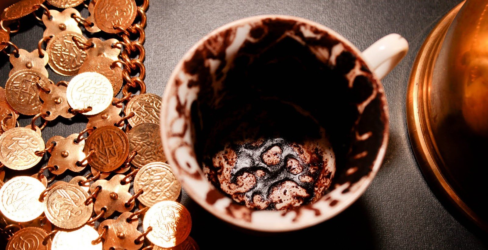 cafeomancia - leitura das borras de café